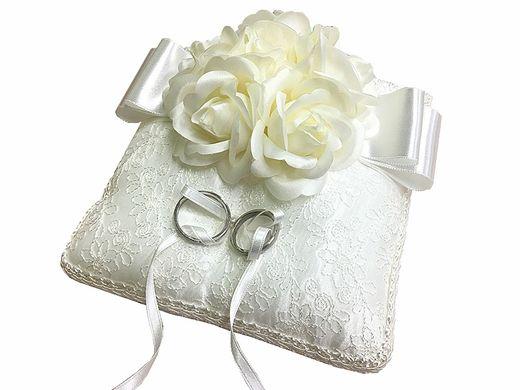 【 必ずもらえる♪ 】婚約指輪 or 結婚指輪をご成約で『オリジナルノベルティ』をプレゼント!