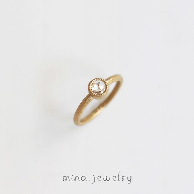 【mina.jewelry(ミナジュエリー)】アンティークなエンゲージリング