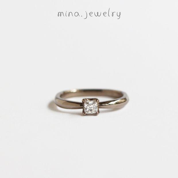 【mina.jewelry(ミナジュエリー)】落ち着いた雰囲気のエンゲージリング