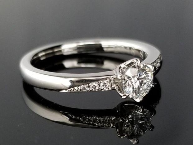 【TANZO(タンゾウ)】華やかなデザインのご婚約指輪