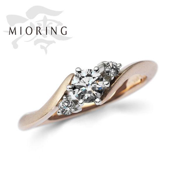 【MIORING(ミオリング)】MIORING  花衣-はなごろも- 「桜ゴールド」がやさしく輝く鍛造和彫りセットマリッジリング
