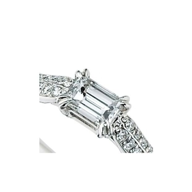 【garden(ガーデン)】<siena> 敷き詰められたメレダイヤの輝きがエレガントな婚約指輪