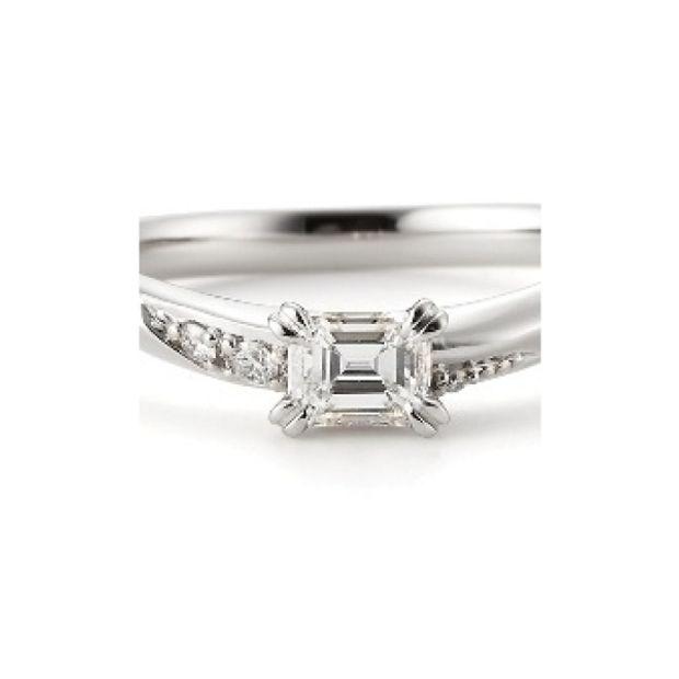 【garden(ガーデン)】ネロリ~婚約指輪と結婚指輪の重ね着けでハートが浮かぶエレガントな婚約指輪