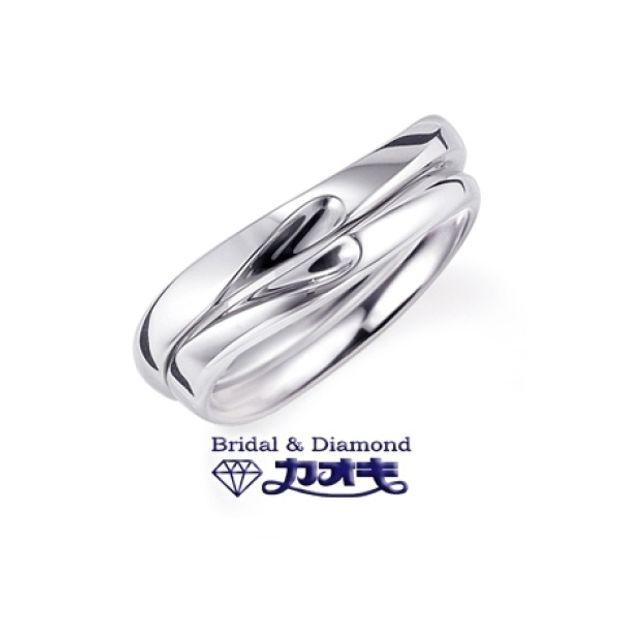 【カオキ ダイヤモンド専門卸直営店】ふたりだけの秘密のハートマリッジリング
