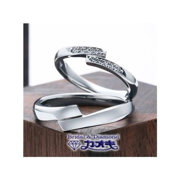【カオキ ダイヤモンド専門卸直営店】重ね合わさったラインは2人寄り添う様に。。。【Wフラット】