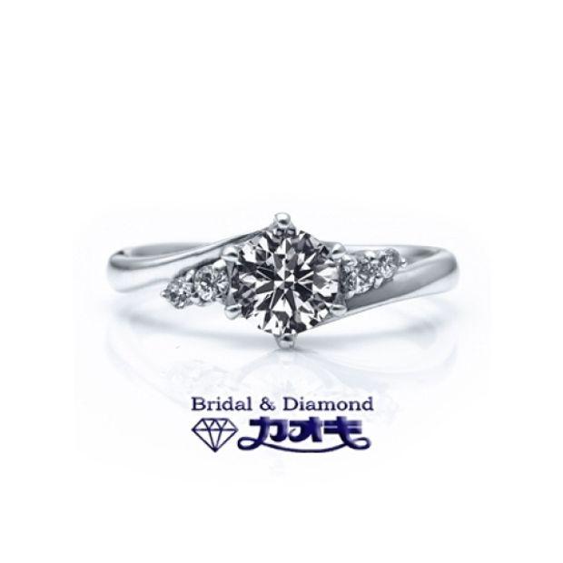 【カオキ ダイヤモンド専門卸直営店】スッキリとしたラインがサイド&センターストーンも引き立たせる☆