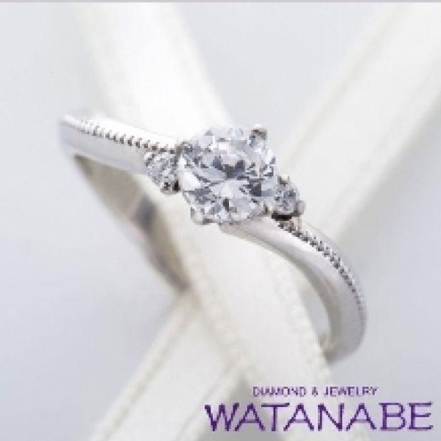 【WATANABE / 卸商社直営 渡辺】[WATANABE]ウェーブしたアームに施されたミル打ちのラインがポイント