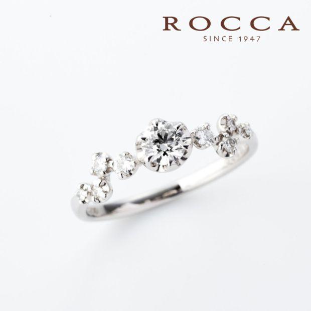 【ROCCA(ロッカ)】【ROCCA】ランダムに配置されたメレがおしゃれ!重ね付けにもぴったりなエンゲージリング