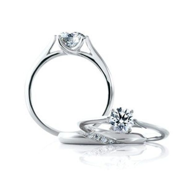 【yamatoya(ヤマトヤ)】【ロゼットデュー】美しいプリマドンナの指先をイメージした最もシンプルな婚約指輪
