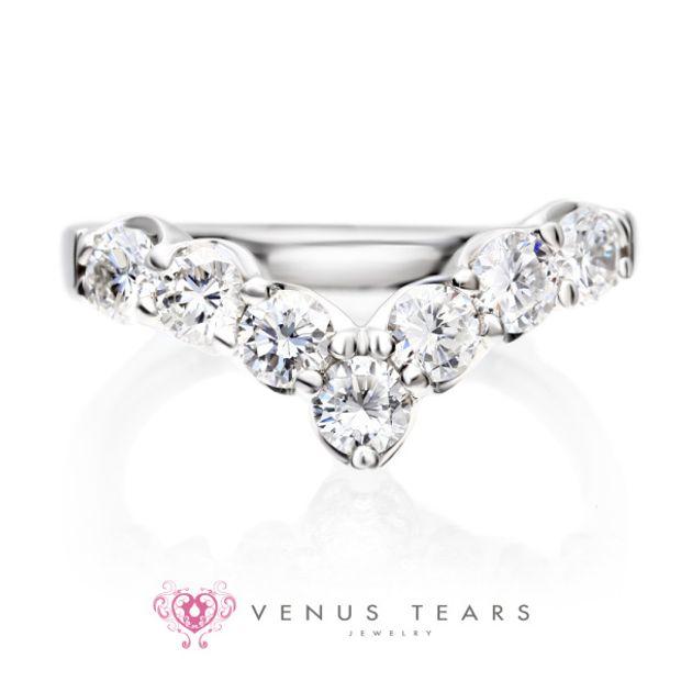 【VENUS TEARS(ヴィーナスティアーズ)】V字エタニティリング 1ct