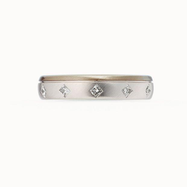 【acredo(アクレード)】【ヨゾラ】プリンセスカットのダイヤモンドと地金のコンビネーションで星空の美しさを表現