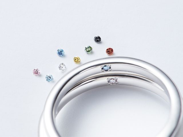【サイズ・刻印・プロミスダイヤを選ぶ】 指輪の内側の刻印はご注文時に無料で承っております。ブロック体と筆記体のどちらかをお選び頂きます。プロミスダイヤモンドは8種類、誕生石12種類から選べます。※有料オプション