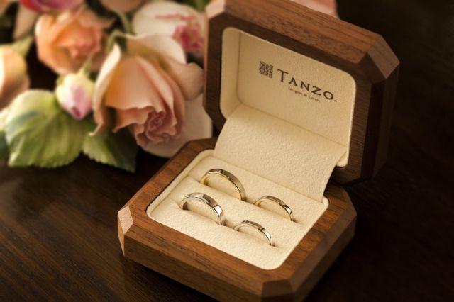 ご成約頂きましたら、まずは入籍指輪で着け心地を日常生活の中でしっかりとお試しください。入籍指輪を試して頂くことで、理想の後悔しない結婚指輪を手にすることが出来ます。
