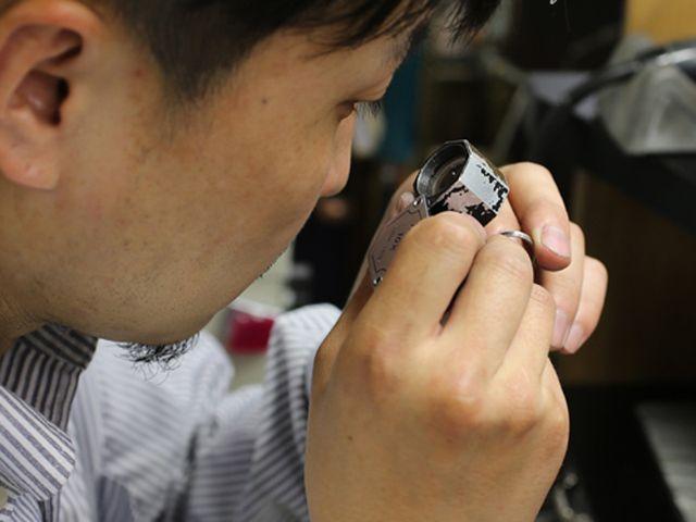 【アフターメンテナンス】 貴金属の指輪はご納品より1年間サイズ直しは無料。 チタン・ジルコニウムは有料となり1号程度大きくする事が可能です。 (上記以外のサイズ直しは割引価格での交換対応) 制作時のデータは半永久的に保管しておりますので安心です。