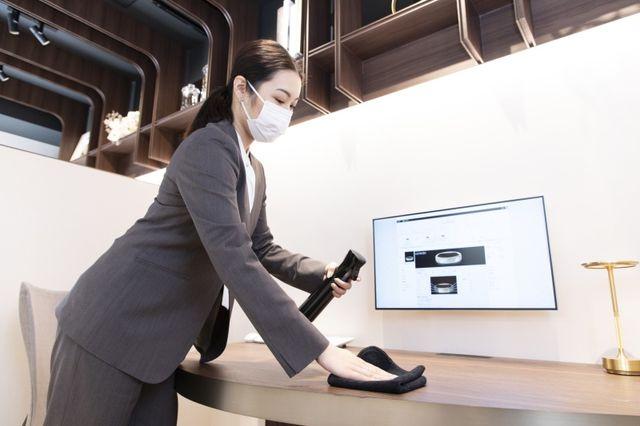 【コロナ対策】 ショップスタッフは、毎日の検温・こまめな手指の消毒、常にマスクを着用いたします。 また、密を避けた接客を心がけ、共有ツールはお客様毎に消毒いたします。 お客様へは、マスク着用、ご来店時の検温、手指の消毒へのご協力をお願いしております。