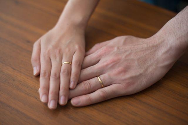「結婚指輪はここで作ってから一回も外してないです。」