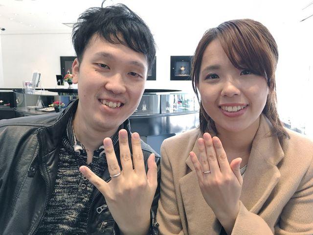 婚約指輪のダイヤモンドの形が良く、日常でも着けれるデザインの指輪がありました_221