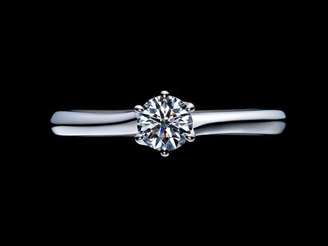 ダイヤモンドの品質が良く輝きが素晴らしいです_681