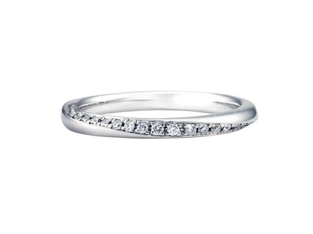 つけた時の結婚指輪のデザインも好きなものが多く、コンシェルジュさんの接客がダントツで良かったです_240