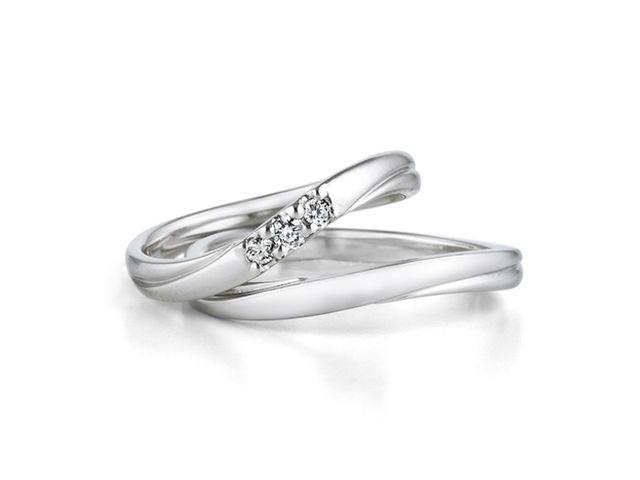 多くの種類から選ぶことが出来、ダイヤモンドの輝きが素敵でした_187