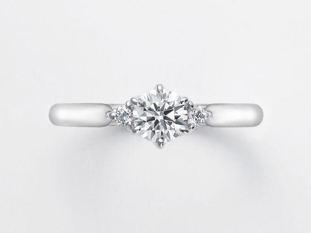 プロポーズのときに箱を開けてもらって、ダイヤモンドの輝きにとってもびっくりしました_567