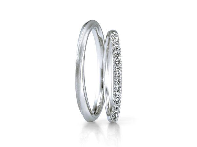 シンプルなデザインとダイヤモンドの輝きにひとめぼれしました_553