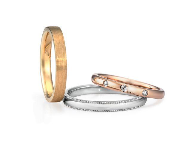外見や指のかたち、会話の中で私たちに合うと思う結婚指輪を紹介してくれました_265