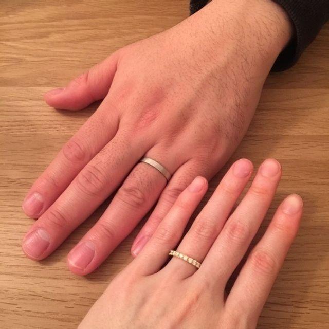 年齢を重ねた手とも馴染む 良い指輪が購入できました