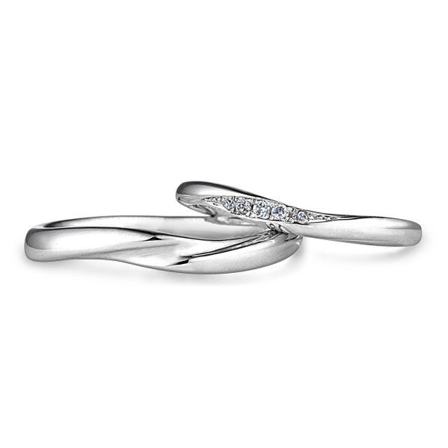 自然な指なじみがオススメのご結婚指輪☆