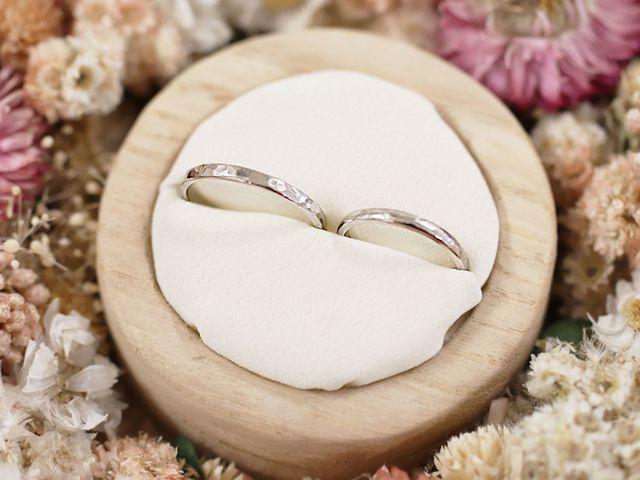 手づくりで想いを込めた、プラチナの槌目型結婚指輪