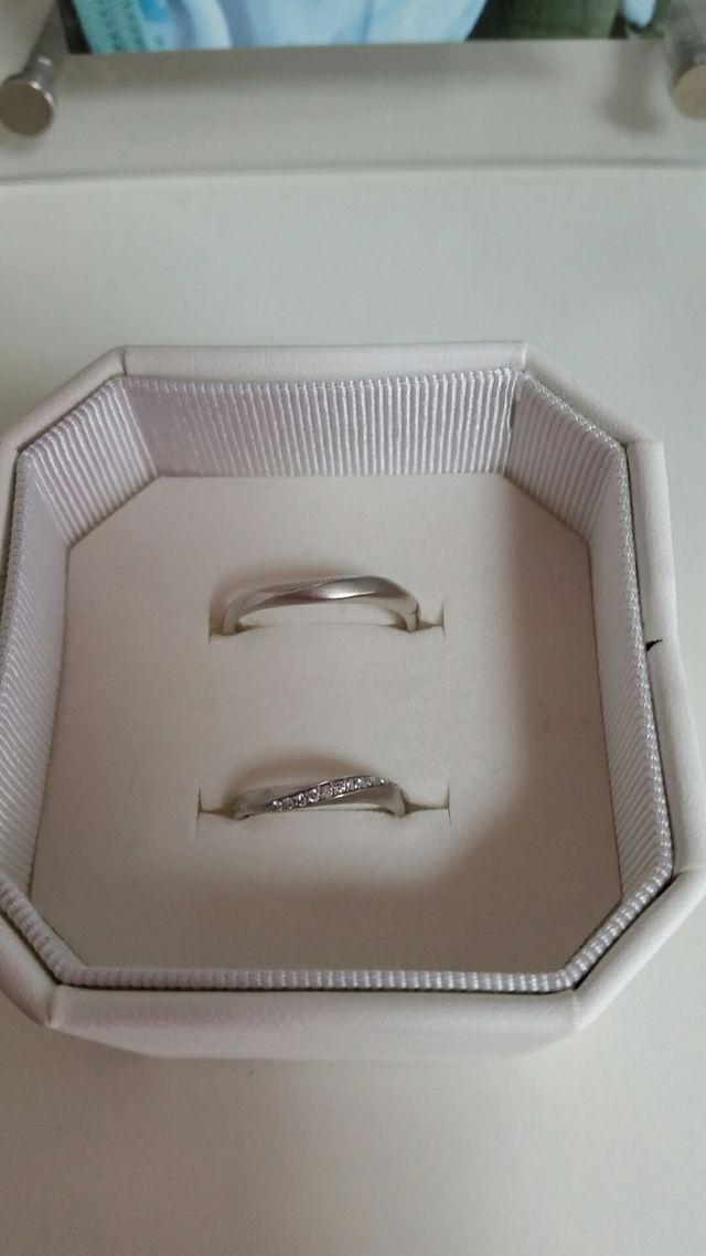 ウェーブのダイヤリング