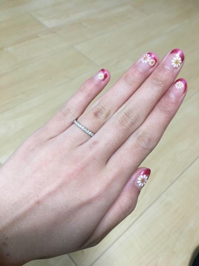 ハーフエタニティの指輪で、常にキラキラとした輝きです。