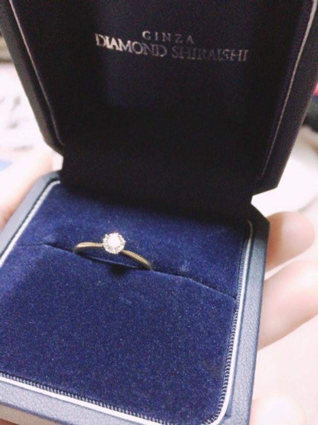 購入させて頂いた婚約指輪です!