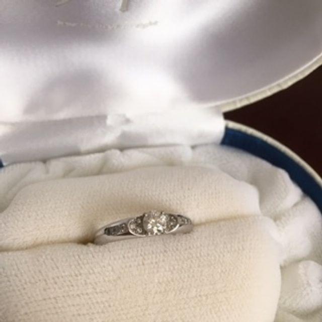 ヴィーナスグレア婚約指輪