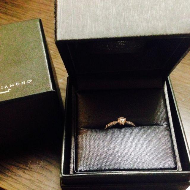 指輪が仕上がり受け取ったときの写真です!