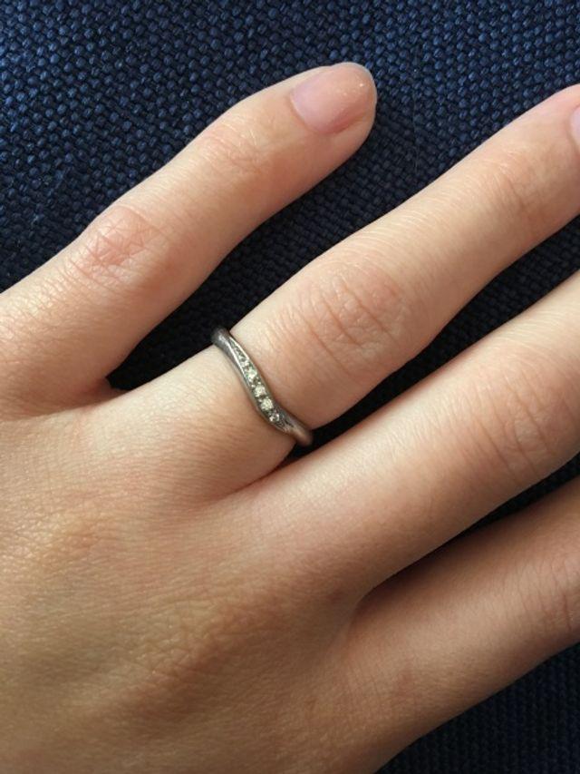 指が綺麗に見える形です