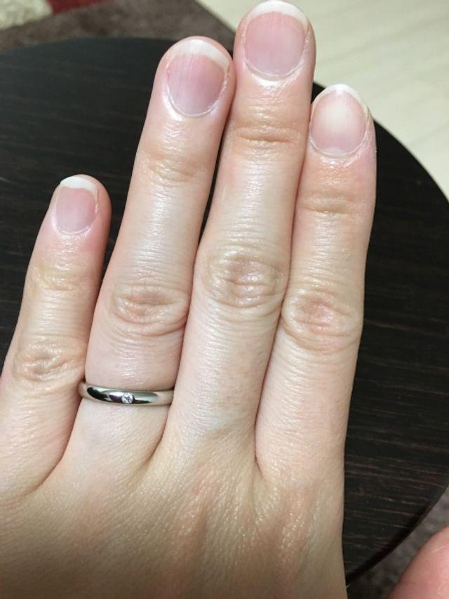 シンプルだけど、ダイヤがキラッとして綺麗です