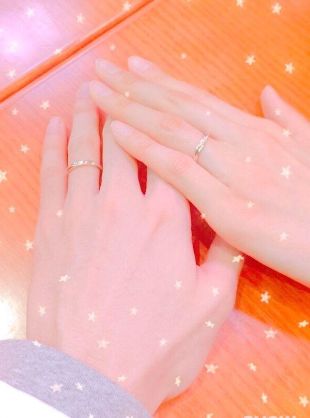 この指輪に一目惚れし購入しました。