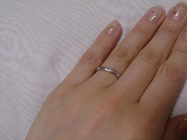 結婚指輪のみを付けたところ