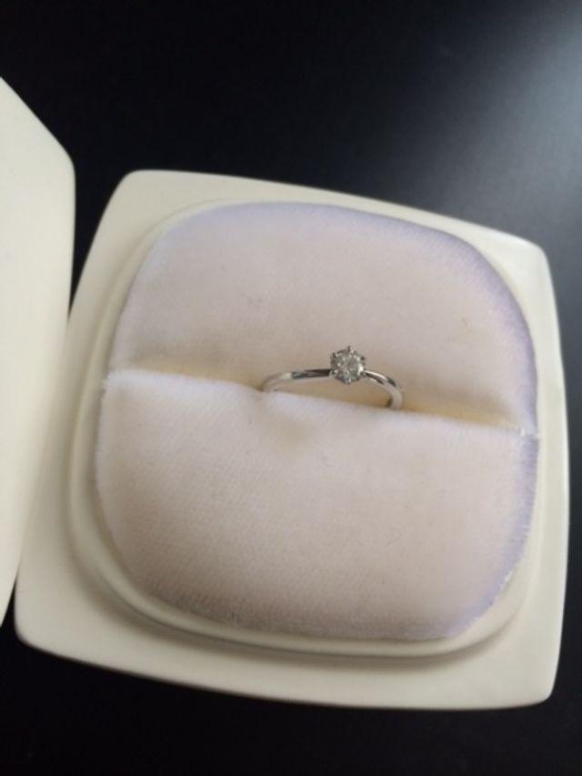 0.28カラットのダイヤモンド