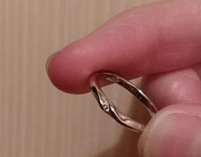 ダイヤが入ってるが普段使いもできるシンプルなのがお気に入り