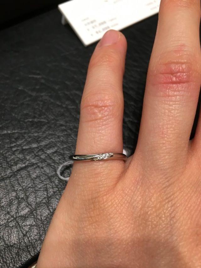 サイズが合わないため小指にしています。