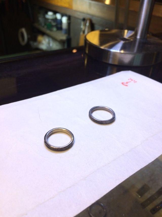 完成前の試着時の指輪。完成時の仕上りが楽しみになります