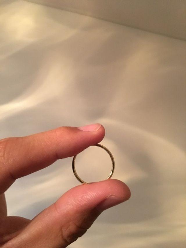 イエローゴールドのリングはプラチナよりもしっくりしました。