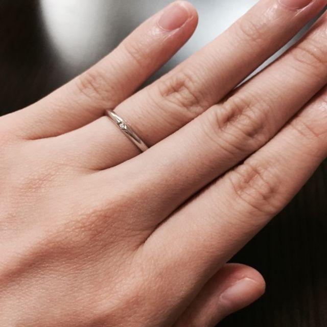 細身の指輪です