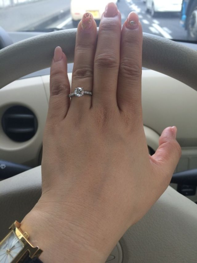 1カラットの婚約指輪♡