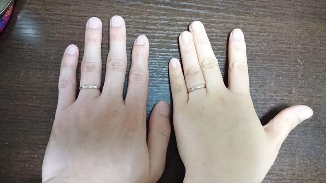 指輪をつけたところ