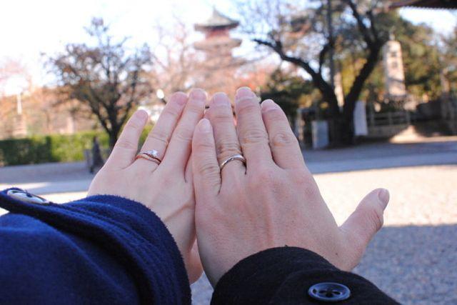 同じくアイプリモで購入した婚約指輪を重ねて。
