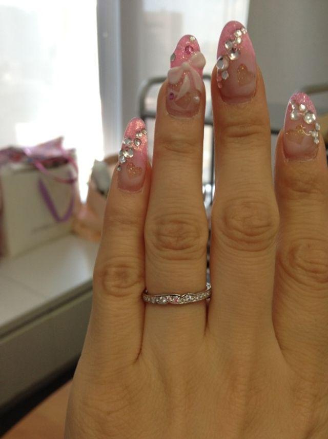 ウェディングネイルと結婚指輪