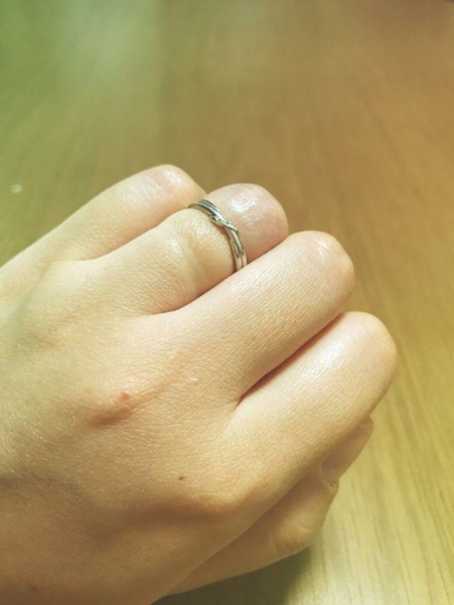 結婚指輪着用写真です。